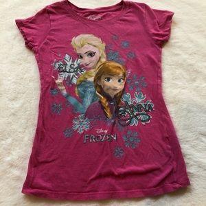 Disney Frozen's Elsa and Anna kids size M t-shirt